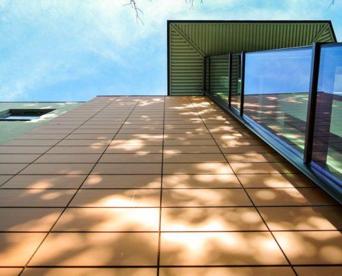 Cando House, T & T Carpentry & Facades