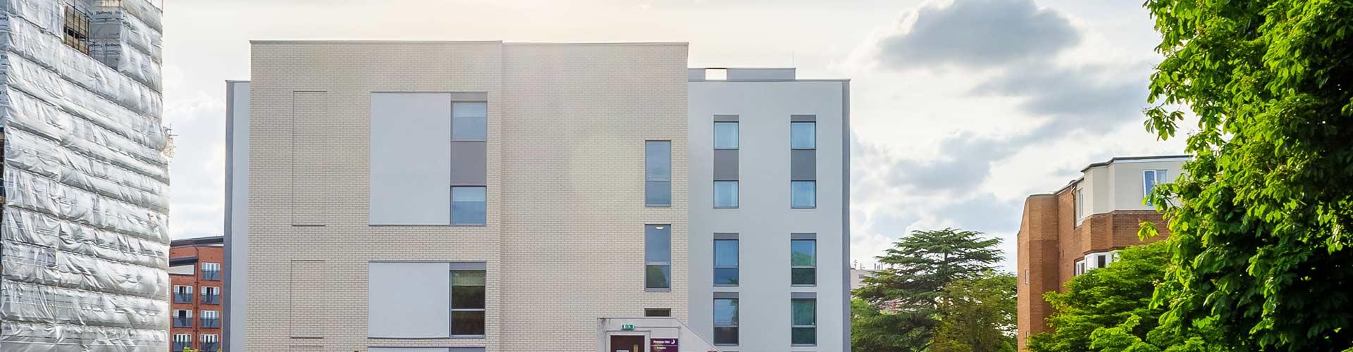 Insulated Render T&T Facades Premier Inn Slough 2
