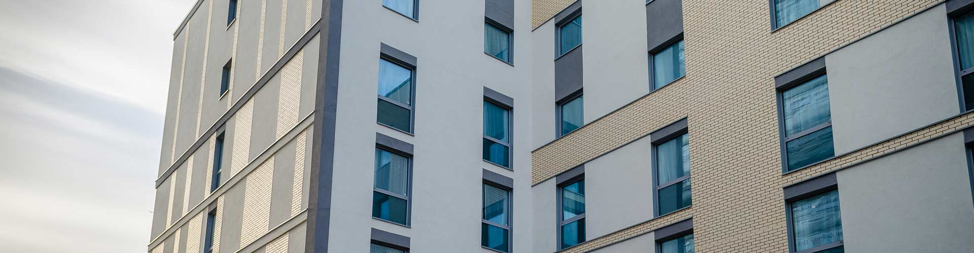 Insulated Render T&T Facades Premier Inn Slough
